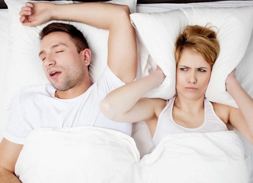 夫婦仲のために「いびき」は我慢すべきか 必ずしも一緒に寝る必要はない