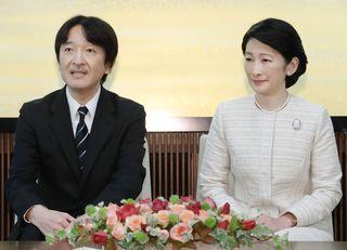 説明を拒む小室圭さんに結婚の資格はない