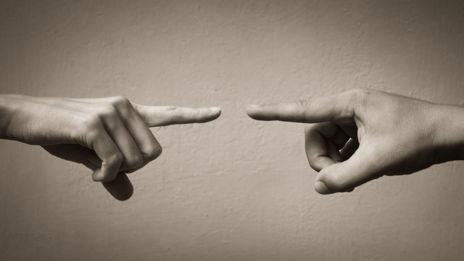 「ネットが社会を分断している」論は誤りである 大半の人は「両論」を見て考えている