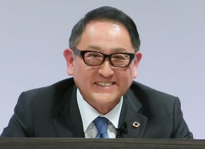 トヨタ、いすゞが資本提携を発表し、記者会見に臨むトヨタ自動車の豊田章男社長=2021年3月24日、東京都内