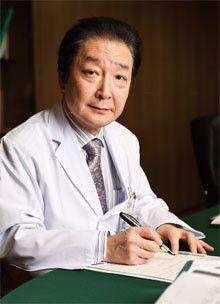 <strong>国立がん研究センター 理事長・中央病院院長 嘉山孝正</strong>●1950年、神奈川県生まれ。75年東北大学医学部卒。2003年山形大学医学部長就任。10年4月より現職。09年からは厚生労働省の中央社会保険医療協議会委員も務めている。