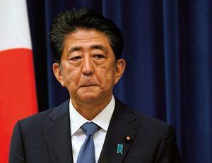 辞任会見する安倍前首相(2020年8月28日)。