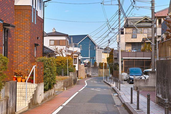 郊外の住宅地の日本