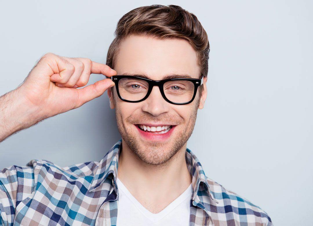 """""""アライグマのように""""メガネを洗う男はモテる 「ラーメンの汁を放置」は御法度"""