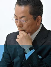 <strong>水谷豊●みずたに・ゆたか</strong> 1952年生まれ。北海道出身。68年TVドラマ「バンパイヤ」(CX)で初主演。「傷だらけの天使」(74年/NTV)、「熱中時代」(78年/NTV)が若者に多大な影響を与える。映画では76年主演「青春の殺人者」でキネマ旬報ベストテン主演男優賞を当時最年少受賞。2008年歌手活動を再開し、今年は宇崎竜童とのデュエット曲「人生ロマン派」(avex)を発売。
