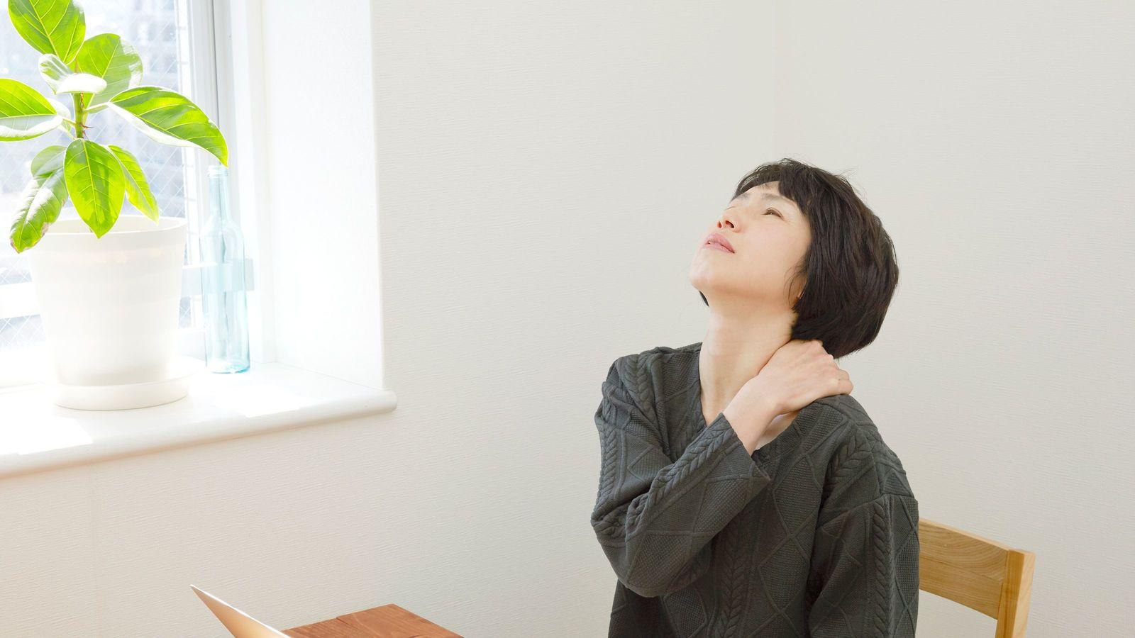 なぜ、男に腰痛が多く、女に肩こりが多いのか 5万人以上の治療実績の鍼灸師解説