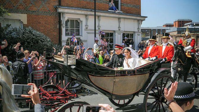 結婚式後のヘンリー王子とメーガン妃