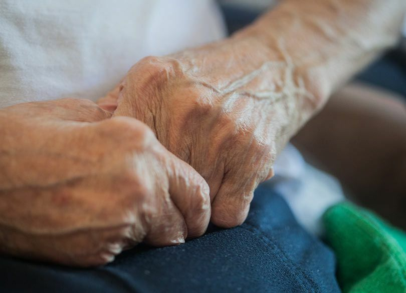 老親の「シモの始末」平静を装う息子・娘 「手を貸さぬ」人との軋轢