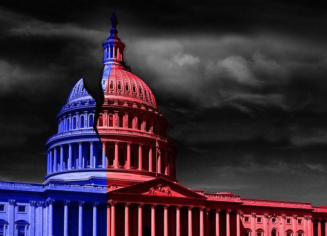 民主党と共和党の政治的な分断を表す赤と青の議事堂
