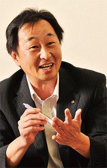<strong>寺島 宏</strong>●テラケン取締役<br>1957年、東京都生まれ。2000年入社。社長室長。同社は80年、現社長の寺田謙二氏が創業。昨年開業の250円均一の「にこにこ屋」は、現在20店。ワイン専門店も手がけ、客層を広げようとしている。