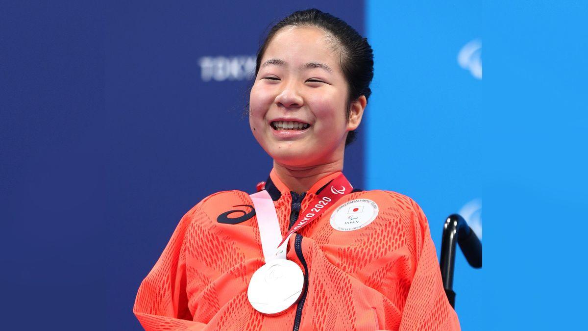 「両腕のない競泳選手」14歳・山田美幸を最年少メダリストに導いた
