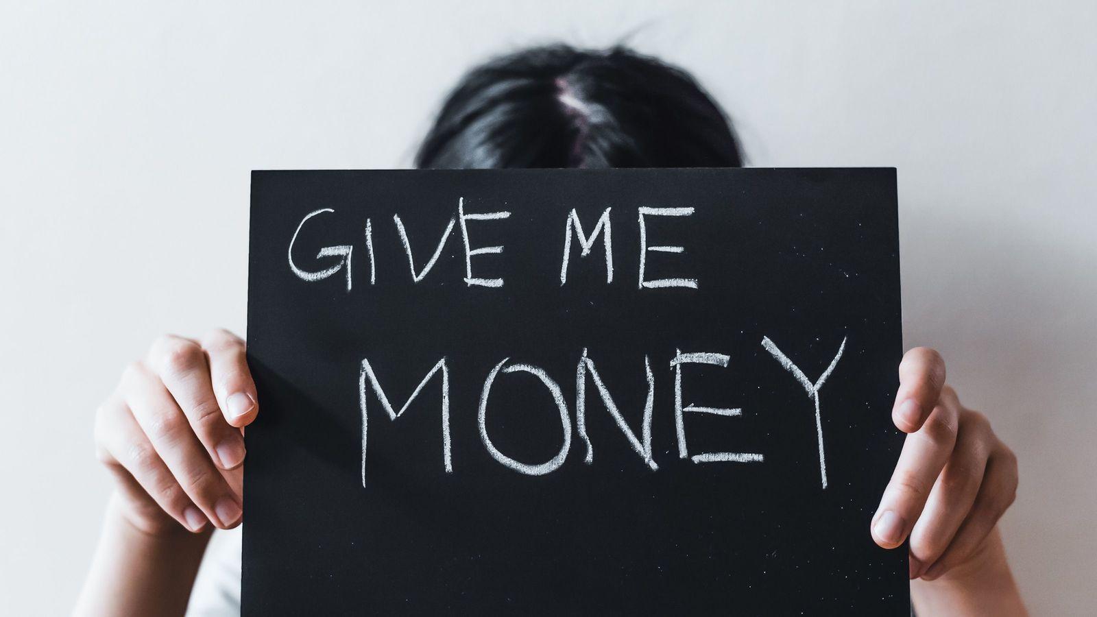 """毎月小遣いをもらう子供はいずれ""""社畜""""になる 親も子もお金持ちになれる知恵3つ"""