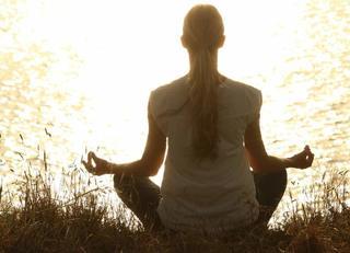 疲れた脳を元に戻す「集中瞑想」のやり方