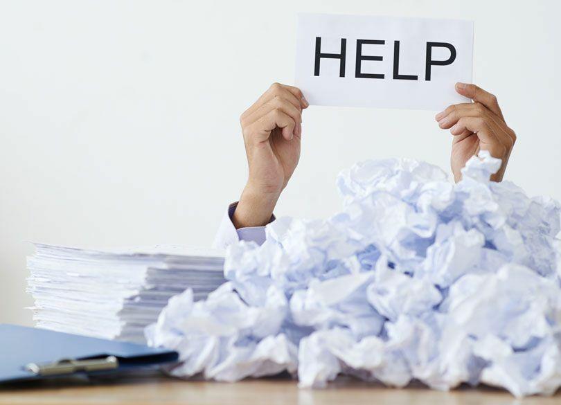 人手不足と採用難で疲弊「働き方」の実情 休日が減り仕事量と残業は増え……