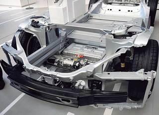 EVの走行距離を2倍にする夢の電池とは