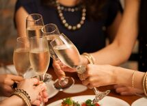 飲み会に美人を呼ばない女性は得をするか