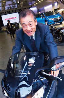 <strong>本田技研工業前代表取締役 福井威夫</strong>●1944年、東京都生まれ。麻布高校卒業。69年、早稲田大学理工学部応用化学科卒業後、ホンダ入社。87年、ホンダ・レーシング社長。98年、本田技術研究所社長。2003~09年、本田技研工業株式会社社長。