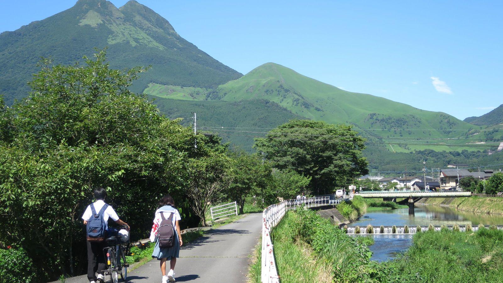 なぜ大分・由布院は13年連続で「温泉日本一」か 大型の観光開発が入らなかった奇跡