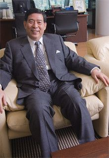 <strong>SBI HD CEO 北尾吉孝</strong>●1951年、兵庫県生まれ。慶應義塾大学経済学部、ケンブリッジ大学経済学部卒。74年、野村証券入社。ソフトバンク常務などを経て、2003年6月から現職。「自分で話したことがそのまま活字になれば、それは頭の中が整理されているということです」