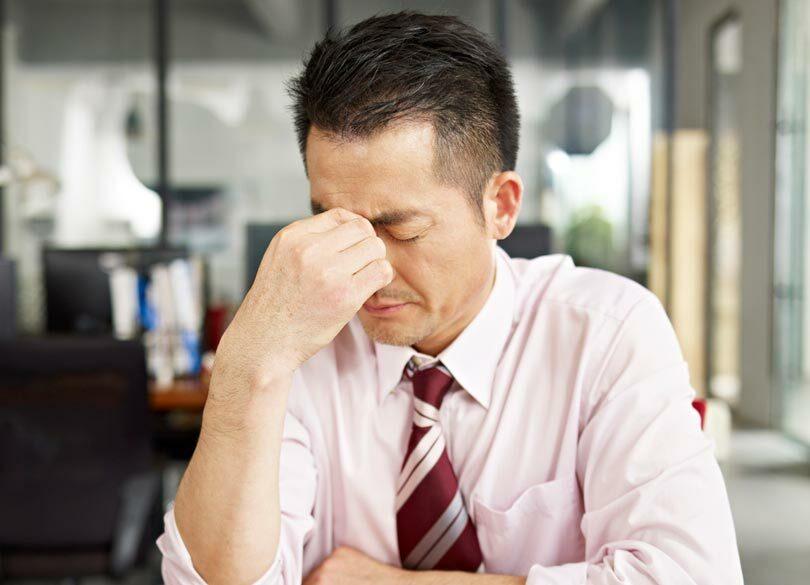 疲れていないのに疲れたように見せる方法 仕事から逃れたいときどうするか
