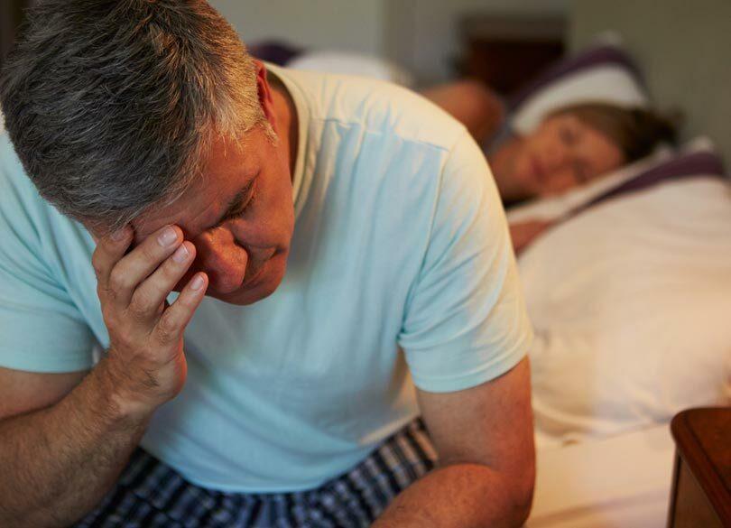 夜中に何度も目が覚めてしまうのはなぜか 睡眠薬に頼る前に改善すること