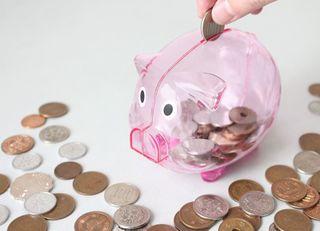 老後のための貯蓄は個人年金?普通預金?