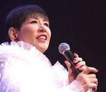 <strong>和田アキ子</strong>●本名、飯塚現子。大阪府出身。歌手、タレント。1968年「星空の孤独」でデビュー。72年「あの鐘を鳴らすのはあなた」で日本レコード大賞最優秀歌唱賞受賞。2006年女性歌手として2人目の「NHK紅白歌合戦」30回出場を達成。08年NYアポロシアターで日本人初の単独公演を行う。この模様は、DVDに収録され、09年1月21日にテイチクエンタテインメントから発売予定。