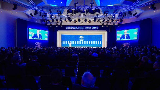 2016年1月22日、ダボス会議 政財界有力者が一堂に