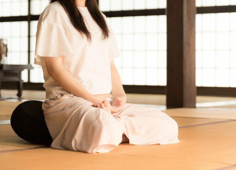 瞑想の基本「調身」「調息」のやり方