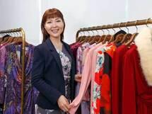 「一瞬で華やか、ずっとラク」な服を、ハードに働く女性のために――kay me毛見純子さん(前編)
