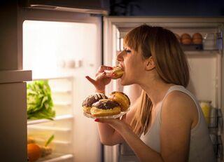 質の悪い睡眠が肥満に直結するメカニズム