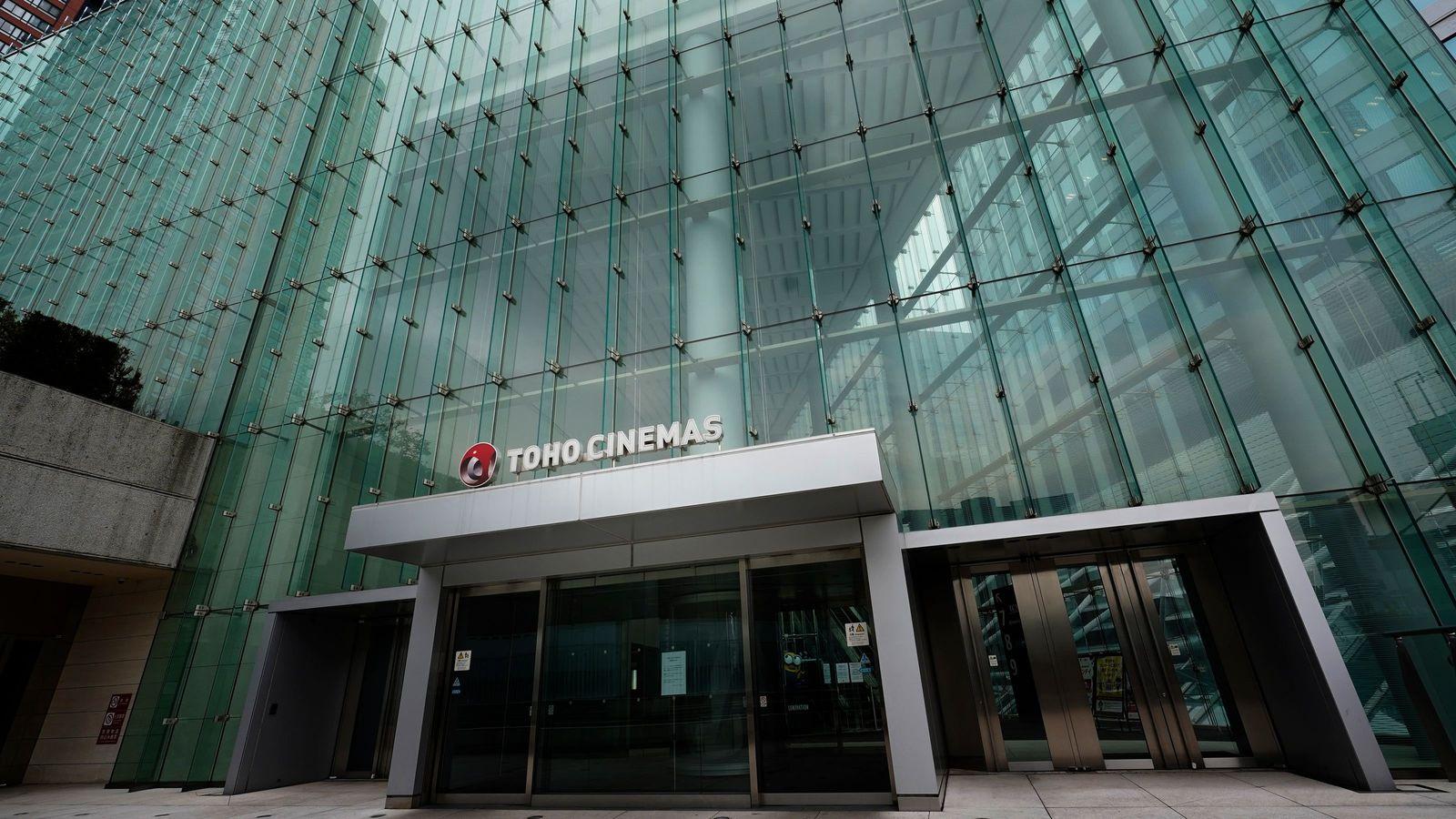 """""""自宅で映画""""が当たり前の世界に、映画館は必要なのか 収益性もオンラインの方が高い"""