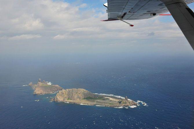 2012年12月に中国機が尖閣上空を侵犯、日本政府は強く抗議した。中国国家海洋局の提供。