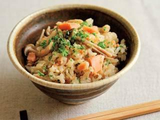 鮭ときのこの炊き込みご飯のレシピ