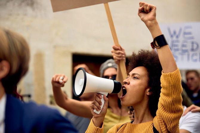 反人種差別デモ
