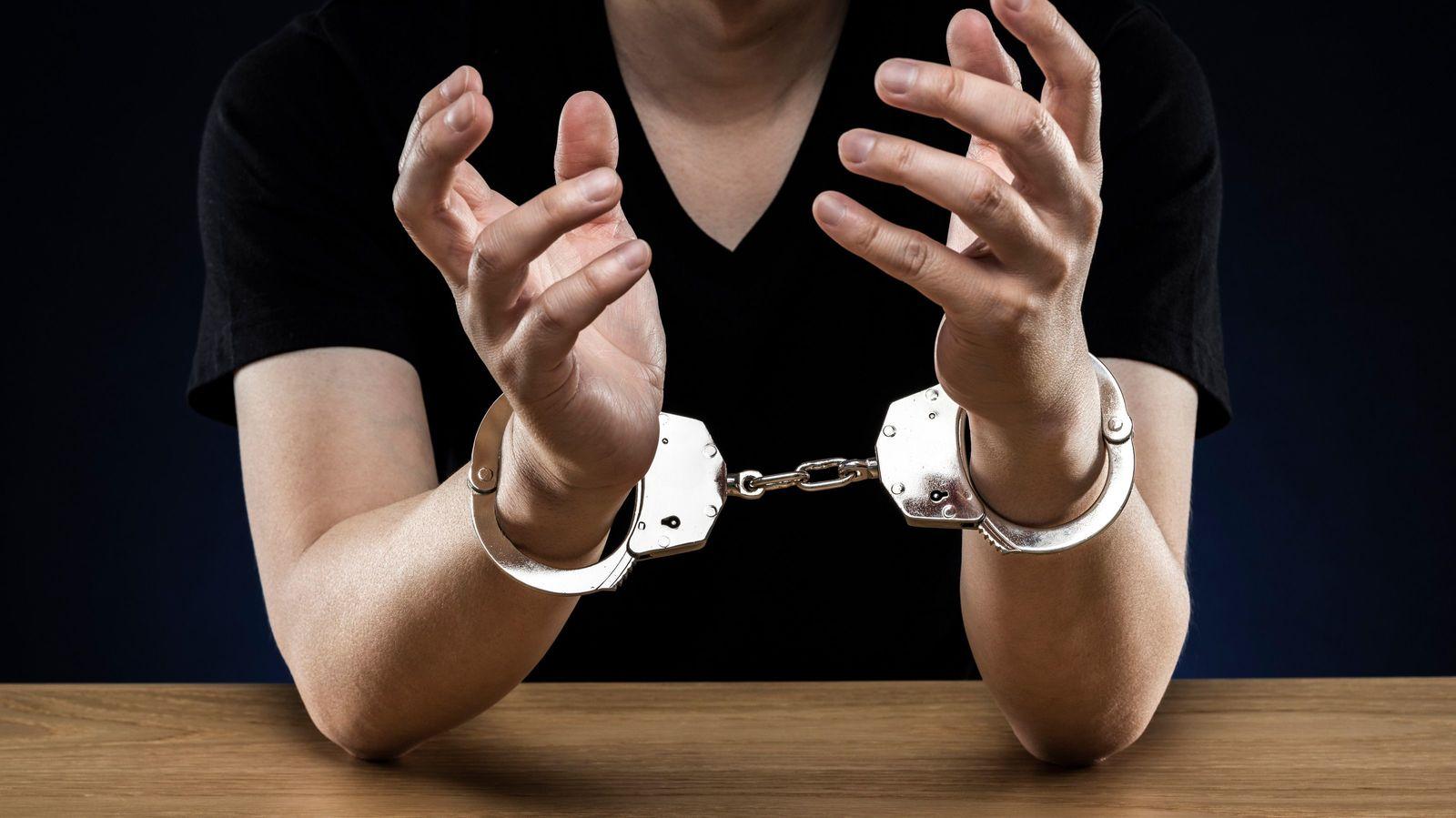 弁護士が心配する「コロナで急増する犯罪」ランキング 3位傷害、2位不正アクセス、1位は…