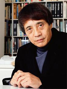 <strong>建築家 安藤忠雄</strong>●1941年、大阪府生まれ。69年に安藤忠雄建築研究所を設立。イェール大、コロンビア大、ハーバード大の客員教授を務め、97年東京大学教授、2003年から名誉教授に。95年にプリツカー賞を受賞。世界を代表する建築家の一人である。