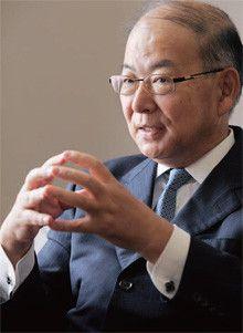 <strong>JR東海社長 山田佳臣</strong>●1949年1月7日、東京都生まれ。71年7月、日本国有鉄道入社。87年4月、JR東海入社。99年、常務。2002年、専務。04年6月、副社長。10年4月、現職。