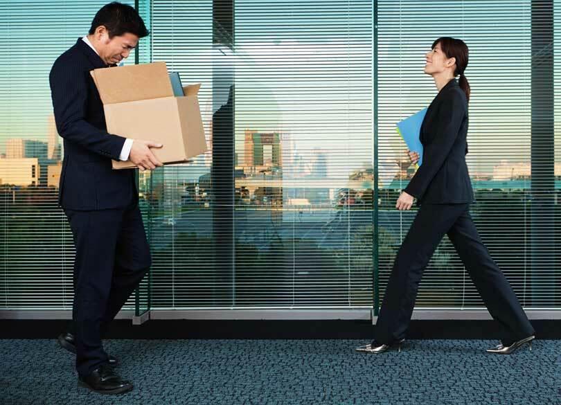 50歳で年収1000万→400万転職は幸運だ 会社にしがみつくしかない人は地獄