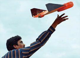 無人機操縦士 -ピザが空から配達される