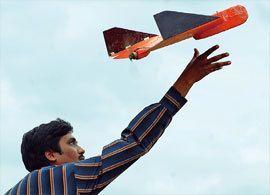 空からピザが届く!無人機需要拡大と課題