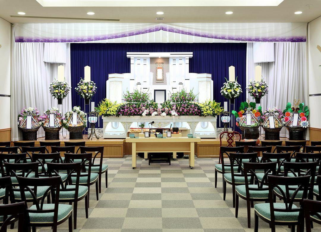 試算で判明「家族葬は割安」はウソだった むしろ「一般葬」より割高になる