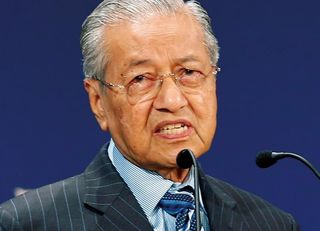 92歳が首相に返り咲くマレーシアの危機