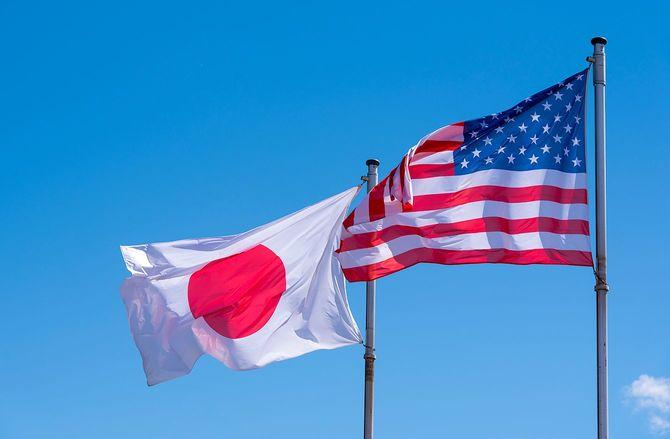 アメリカと日本の旗