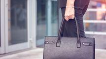 「なぜか部下と間違われる人」が持つバッグ、品のある管理職が持つバッグの決定的な違い