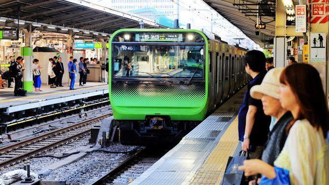 2019年8月3日、山手線E235系列車、東京駅にて