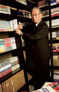 <strong>堺屋太一</strong>●1935年、大阪府生まれ。東京大学経済学部卒業とともに通産省入省。日本万国博覧会を企画、実現する。78年通産省を退官、執筆・評論活動に入る。98年、小渕内閣の経済企画庁長官に就任。現在、上海万博日本産業館総合プロデューサー、早稲田大学大学院ファイナンス研究科学督。『知価革命』『団塊の世代』『秀吉』など著書多数。