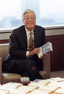 <strong>JT 本田勝彦相談役</strong>●1942年、鹿児島県生まれ。65年東京大学法学部卒業後、日本専売公社(現JT)入社。2006年6月から現職。昨年NHKで放映された大河ドラマ「篤姫」を楽しみに鑑賞した。薩摩藩の重鎮・小松帯刀が当時藩を支えた実績を高く評価している。