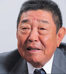 <strong>加賀電子会長 塚本 勲</strong>●1943年、石川県生まれ。金沢工業高校中退。メーカー勤務を経て68年に加賀電子を創業、社長。2007年現職。