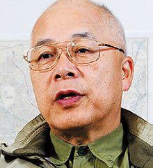 <strong>作家 逢坂 剛</strong>●1943年、東京都生まれ。中学時代から小説を書き始める。『カディスの赤い星』『暗い国境線』など著書多数。